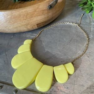 Yellow and gold tone chain necklace